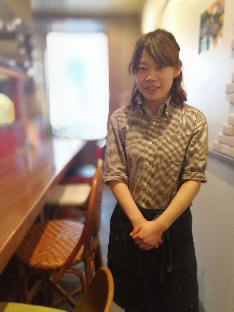 新栄 そばカフェ 店長